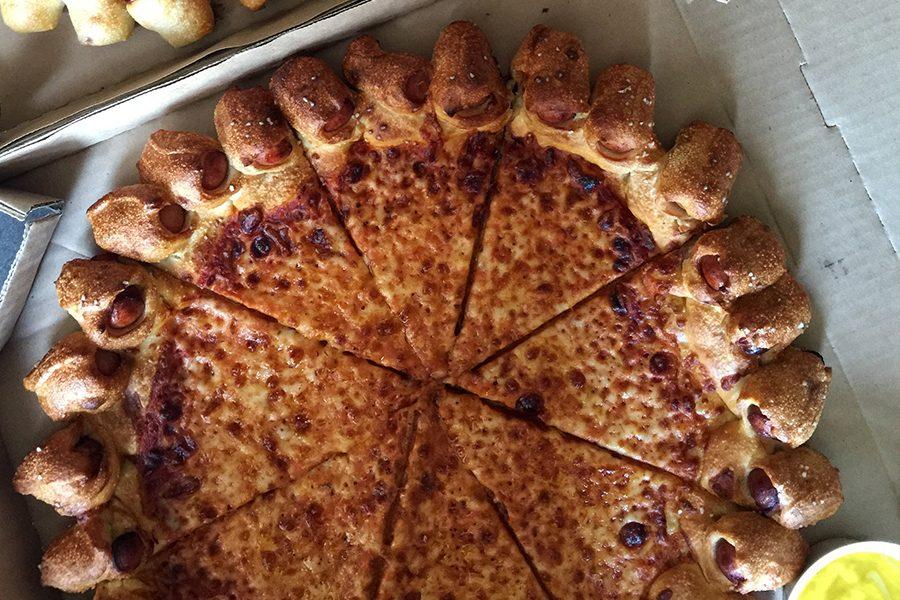 Novo: Hot Dog Pizza!